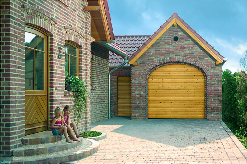 s-ribbed-nordic-pine-arched-sectional-garage door