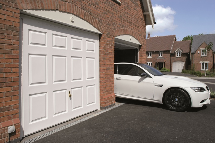 modern-overhead--garage-door