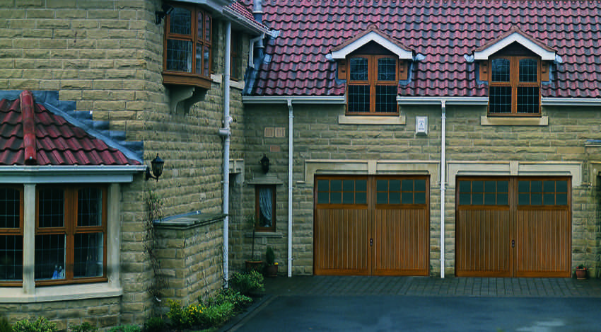 livingston-side-hinged-garage-doors