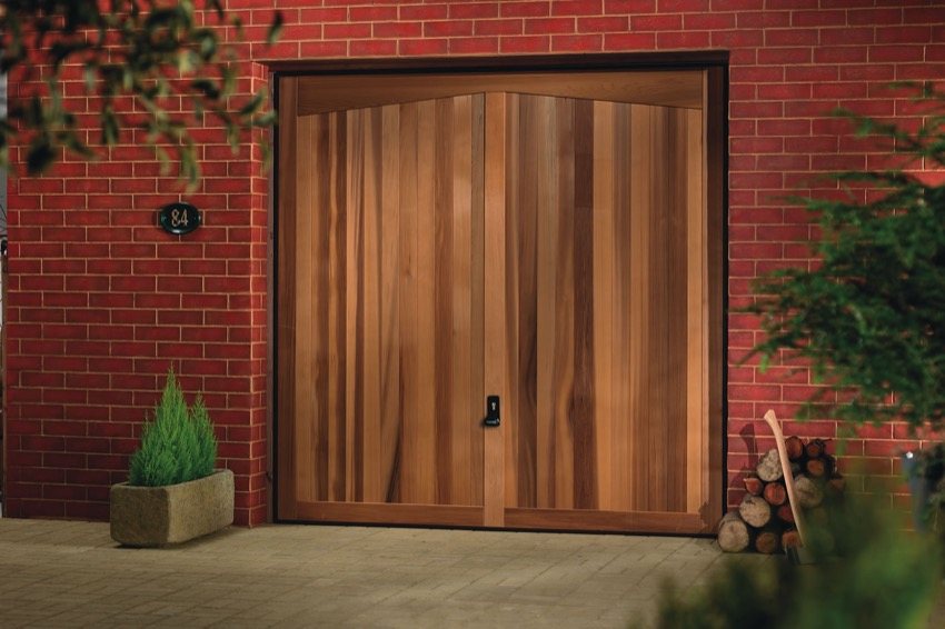 barrington-wood-garage-door