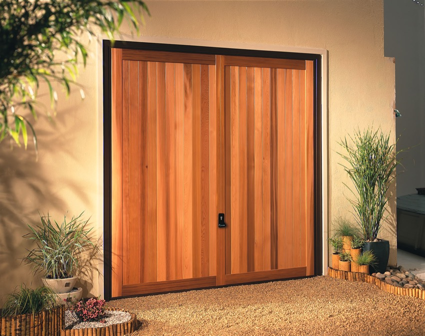 kingsbury-light-timber-garage-door