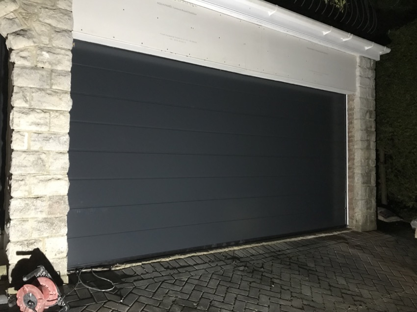 2-double-garage-door.jpg