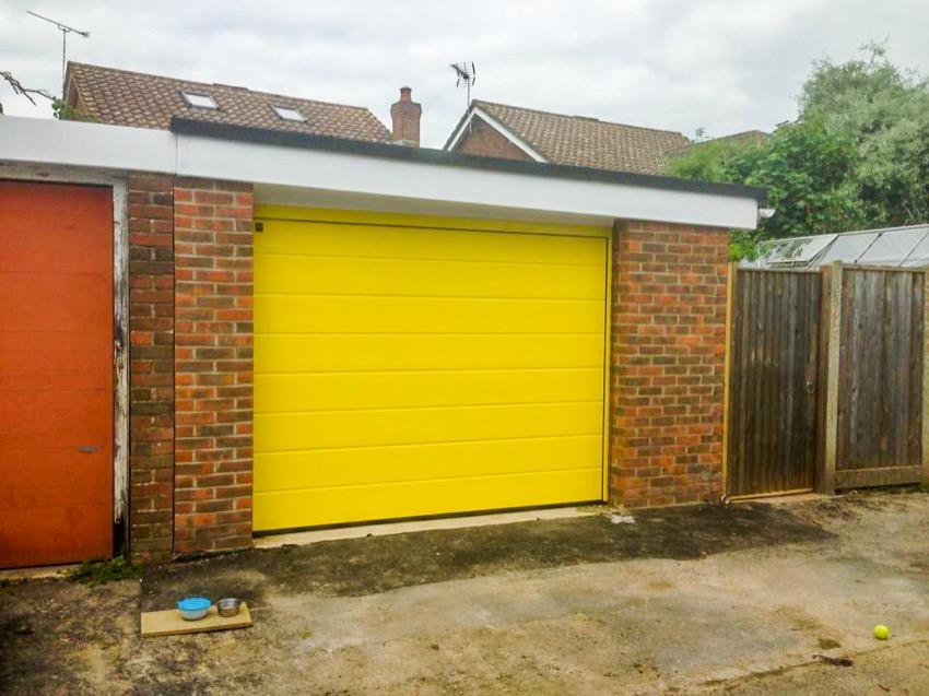 Garage Doors Installers New Milton